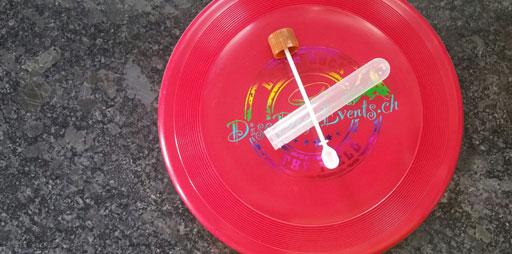 Frisbee mit Wurmcheck